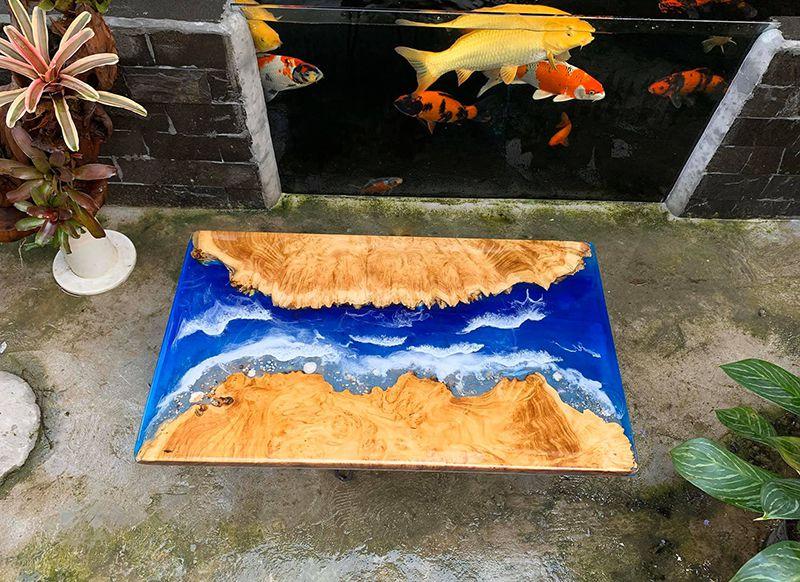Mặt bàn epoxy resin làm từ gỗ me tây